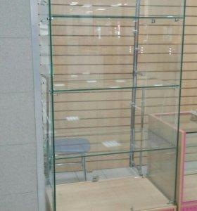 Продам стеклянную витрину -шкаф