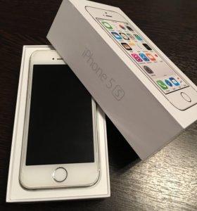 Смартфон Apple iPhone 5s 16GB (серебристый)