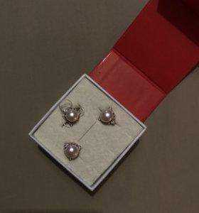 серебрянные серьги и кольцо 925