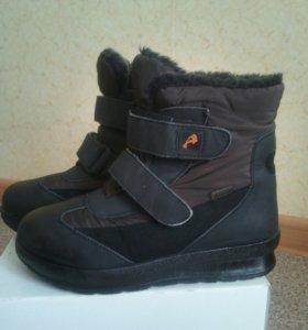 Ботинки зимние размер 35