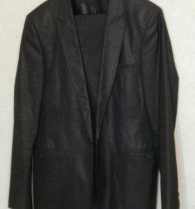 Костюм-двойка (пиджак и брюки)