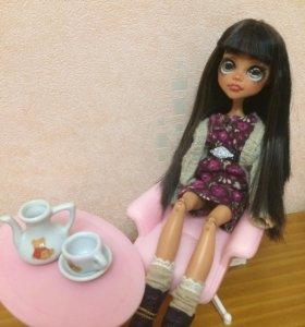 Кресло + журнальный столик + кукольная посуда!