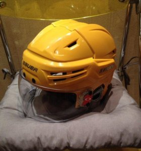 Профессиональный хоккейный шлем Bauer Reakt