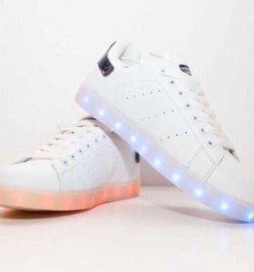 Светящиеся adidas superstar