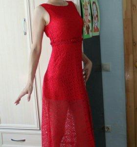 Платье кружевное р. 42-44 (новое)