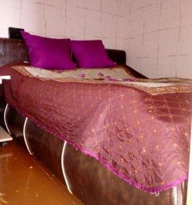 Продам двухспальной кровать.С матрасом.Торг