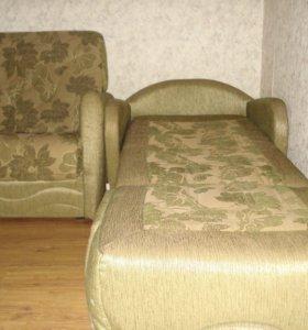 Кресло кровать и кресло.