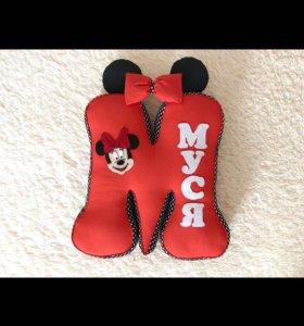 Подушка в стиле Микки Мауса