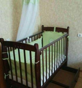 Детская кроватка,комод +пеленальный столик