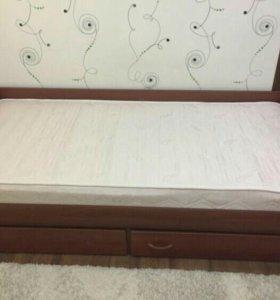 Продам кровать 1 спальнуб.В отличном состоянии