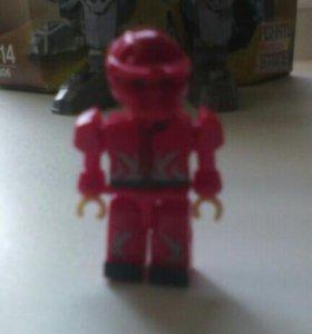 Красный робот крио лего