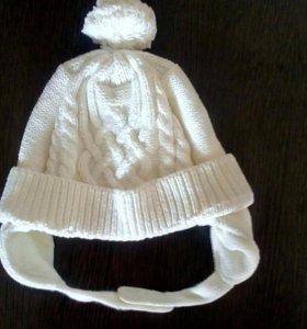 Утепленная шапочка на флисовой подкладке.