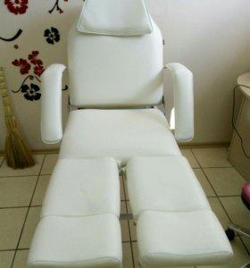 Педикюрное кресло.