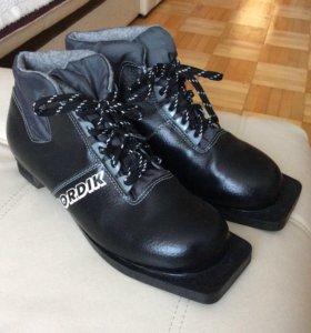 Ботинки лыжные Nordic размер 39-40 абсолютно новые