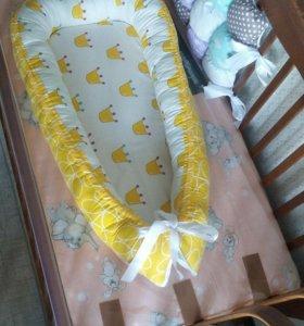 Двухстороннее гнездышко для новорожденного
