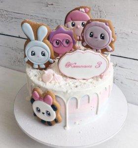 Тортики с имбирным печеньем и безе