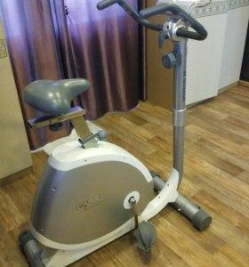 Велотренажер Care Fitnes Xiris ii
