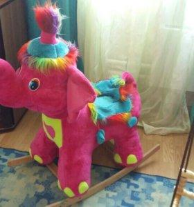 Слон-качалка