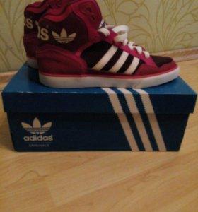 кроссовки Adidas 37.5
