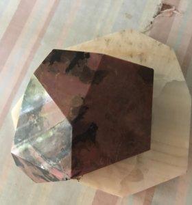 Камень мрамор
