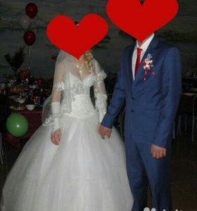 Продам свадебное платье и мужской костюм
