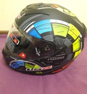 Мото шлем.