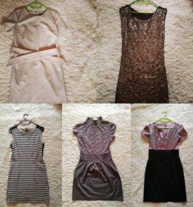 Платья, размер S в очень хорошем состояни