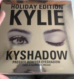 Палитра теней Kylie