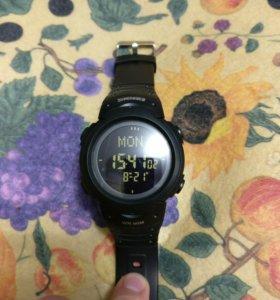 Наручные часы SKMEI