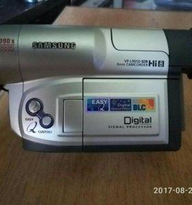 Видеокамера Samsung vp-l905d
