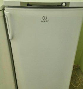 Холодильник б/у Indesit x0632