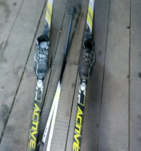 Лыжи почти новые