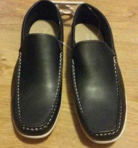 Туфли 40-41р темно-синие новые
