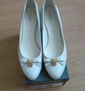 Туфли  NeroGiardini 41 размер