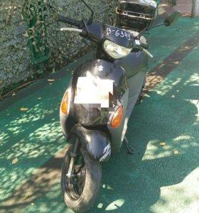 Suzuki Let's4
