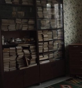 Шкафы книжные 2 штуки