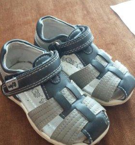 Детская обувь сандалии