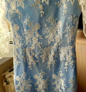 Платье голубое кружевное новое