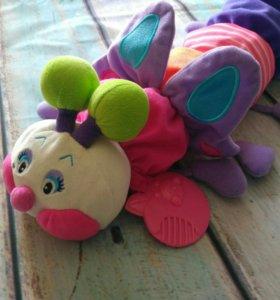 Игрушка гусеница для малышей