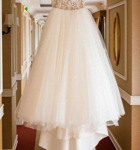 безупречное свадебное платье.