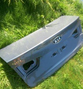 Крышка багажника Kia Rio 3. Сиреневая и красная.