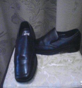Кожаныее школьные туфли