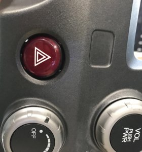 Кнопка аврийки Honda Civic 4D 2008