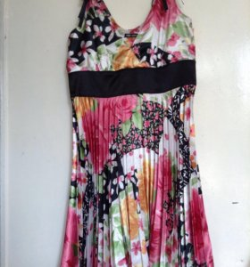 Платье 40-42 плесе шелк Очень красивое