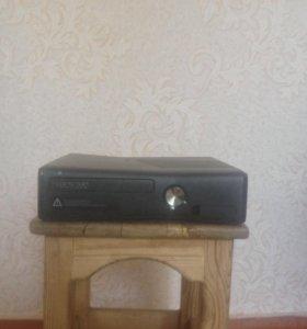 Продаю игровую приставку(консоль) Xbox 360