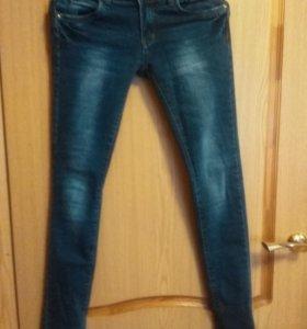 Продам новые джинсы-стрейч