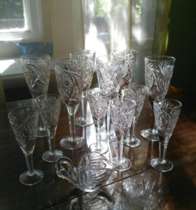 Набор хрустальных бокалов