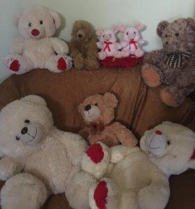 Игрушки медвежата .