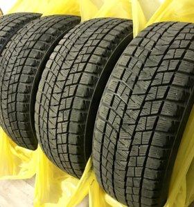 Зимняя липучка всесезонка Bridgestone 225 55 r17