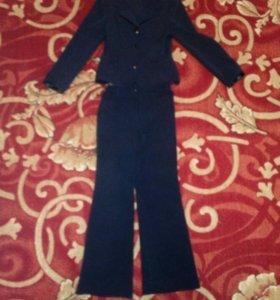 Брючный костюм на девочку 7-8 лет